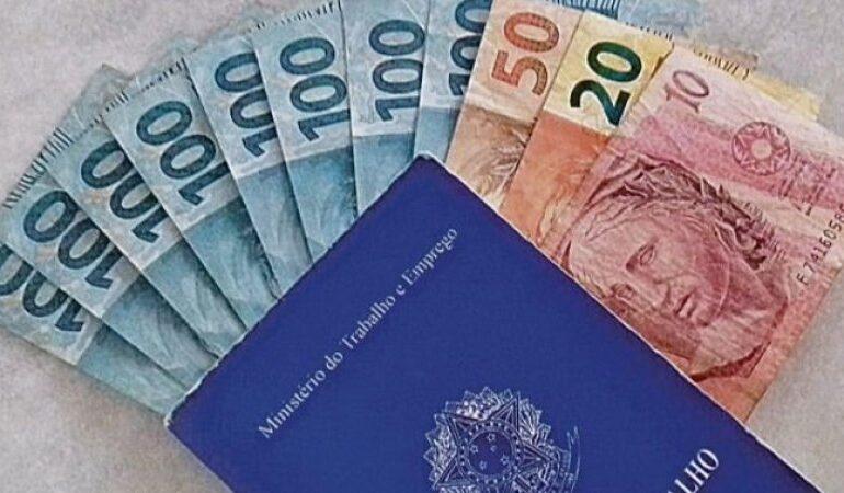13º salário: Ministério da economia se pronuncia sobre cálculo