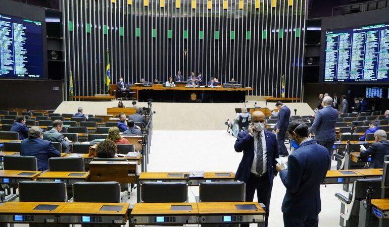 Pandemia: Câmara quer criar programa de regularização tributária